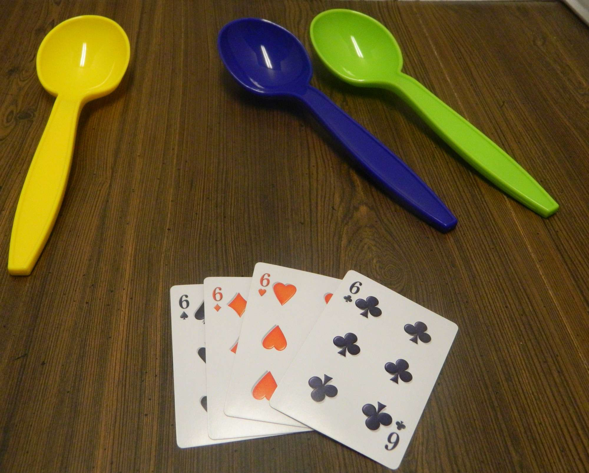 Giant Spoons Board Game Review And Instructions Geeky Hobbies