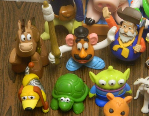 Random Disney Toys Close-Up Thrift Store Haul June 23