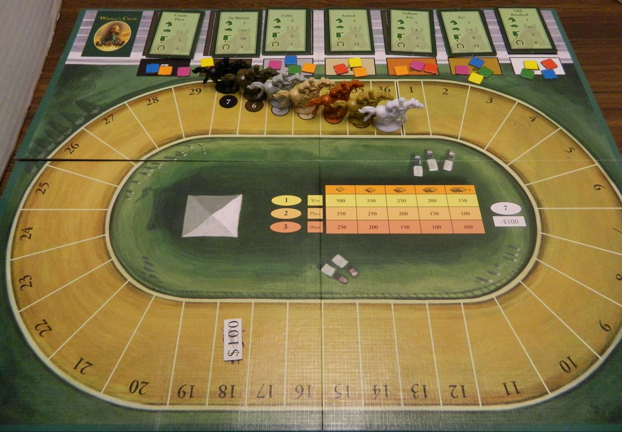 how to play money circle board game