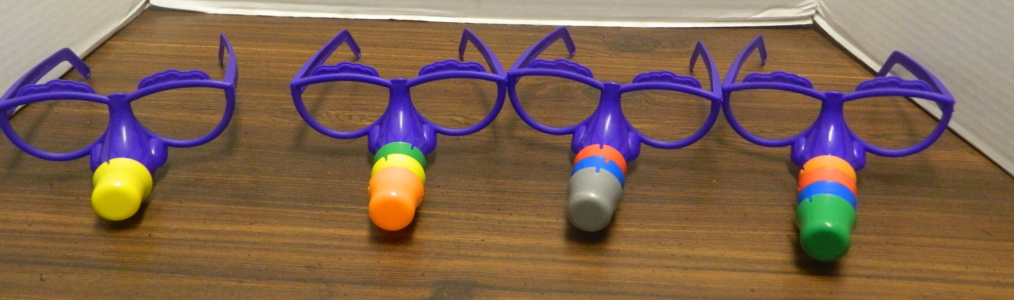 Fibber 2012 Board Game Review And Rules Geeky Hobbies