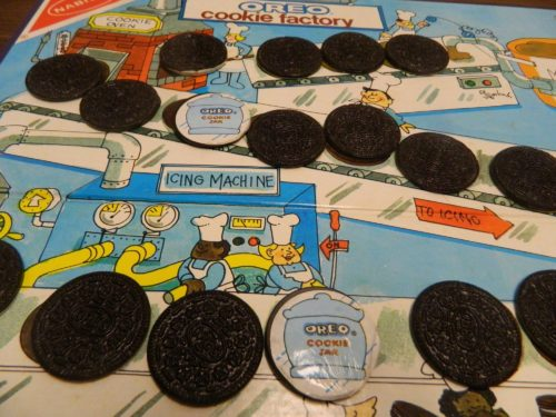 Match in Oreo Cookie Factory Game